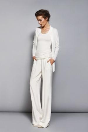 białe spodnie, stylizacja