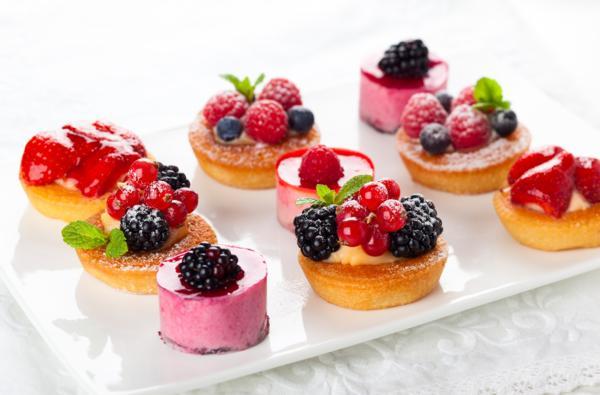 dekorowanie deserów