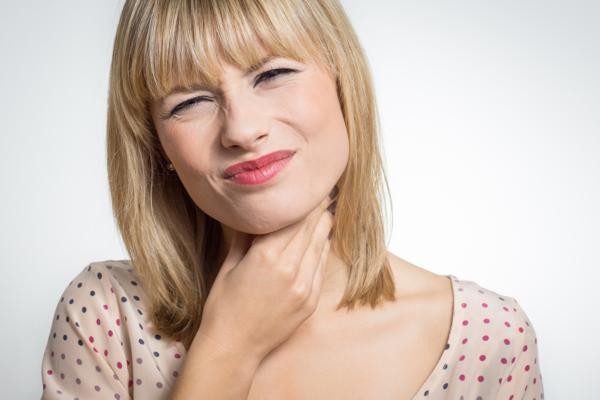 jak unikać anginy latem