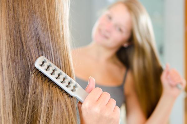 szcotka do włosów jaką wybrać, szczotka do włosów na naturalnego włosia