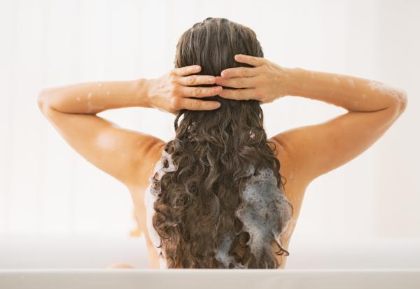 jak myć włosy, jak prawidłowo myć włosy