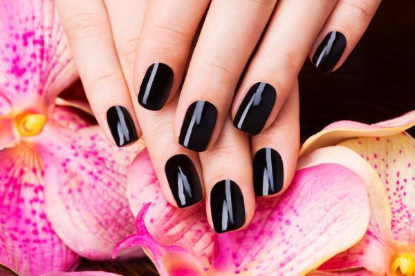 jak wykonać manicure