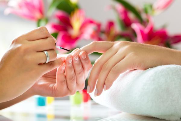jak dbać o paznokcie
