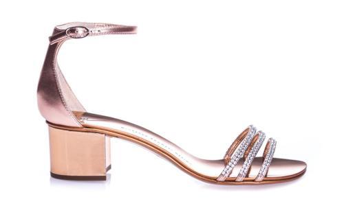 Złote sandały damskie ze skóry szczotkowanej na obcasie