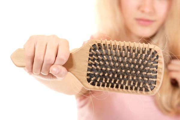 wypadanie włosów przyczyny, wypadanie włosów leczenie